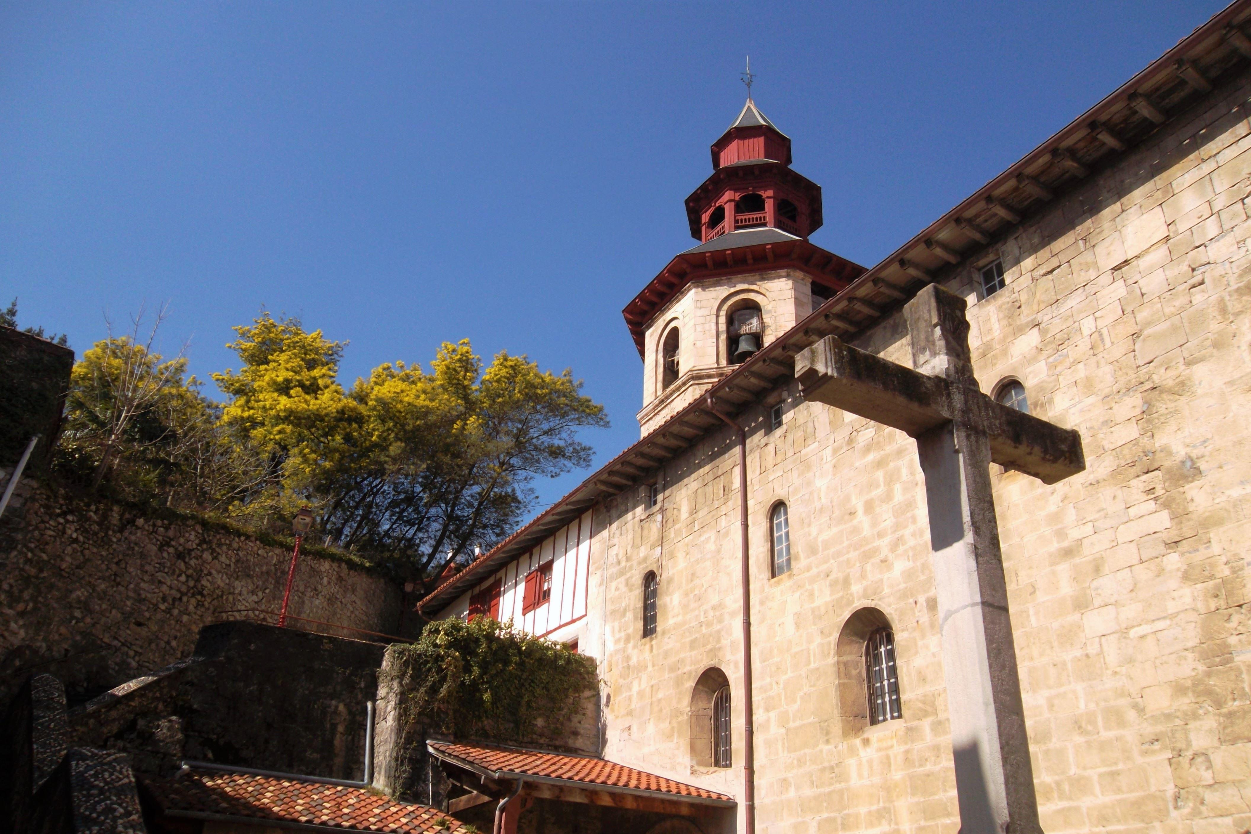 """Saint-Jean-de-Luz et Ciboure : Visite Patrimoniale """"L'Eglise de Ciboure et ses secrets"""""""
