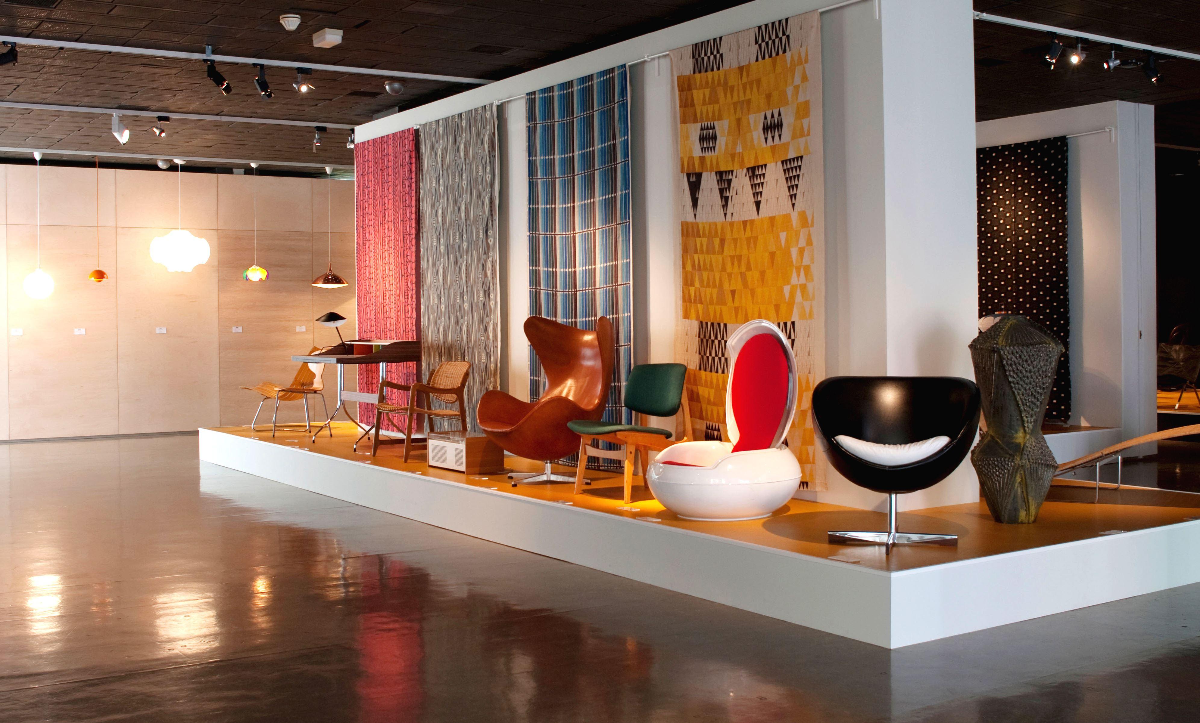 Nordenfjeldske Kunstindustrimuseum, Stoler i tidløst design utstilt inne på Nordenfjeldske Kunstindustrimuseum