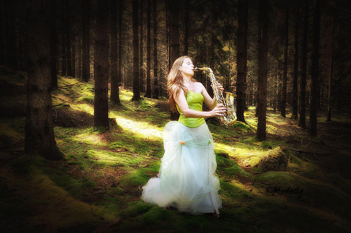 En himmelsk resa i ord och ton med Charlotte Polson