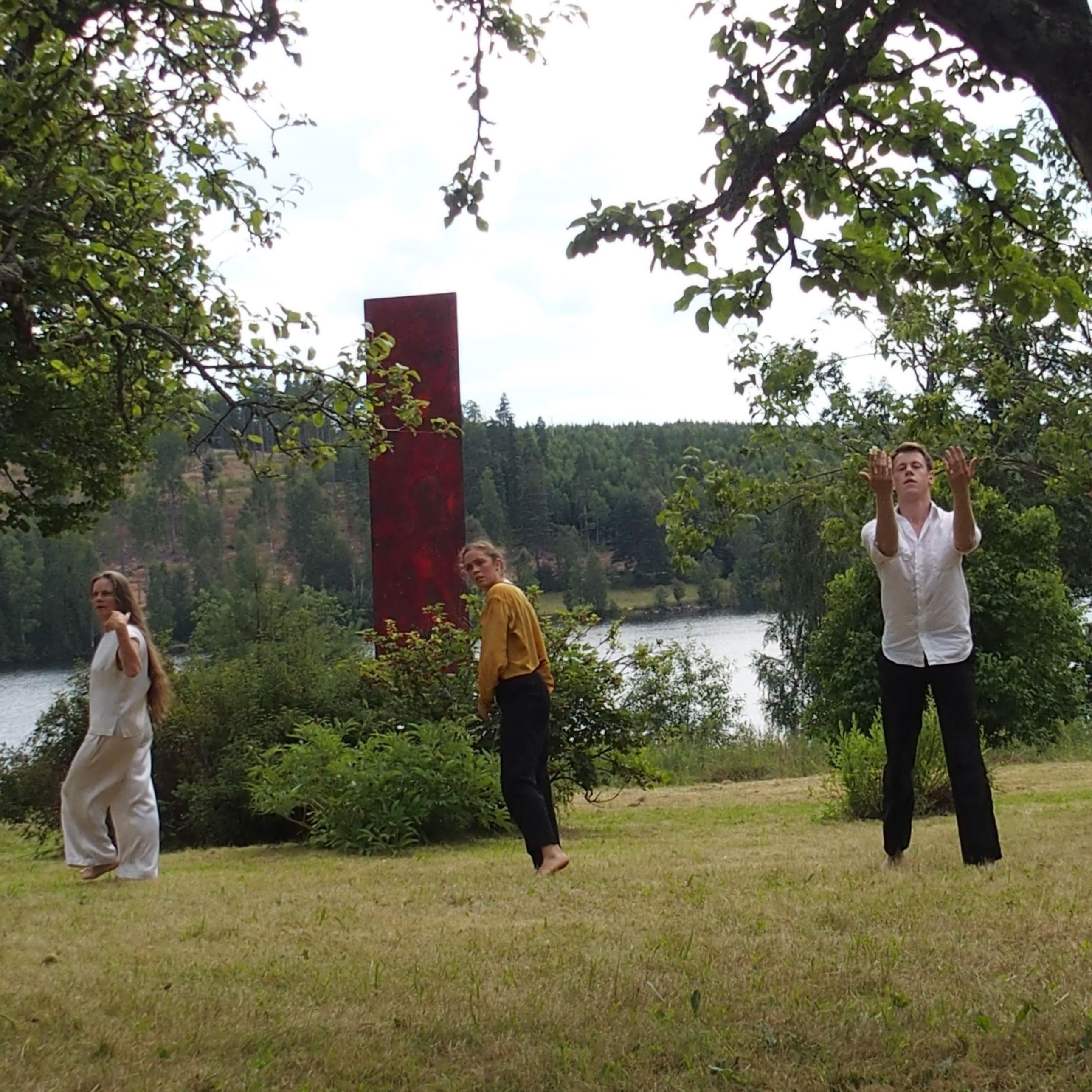 Ny dansföreställning i Trädgården