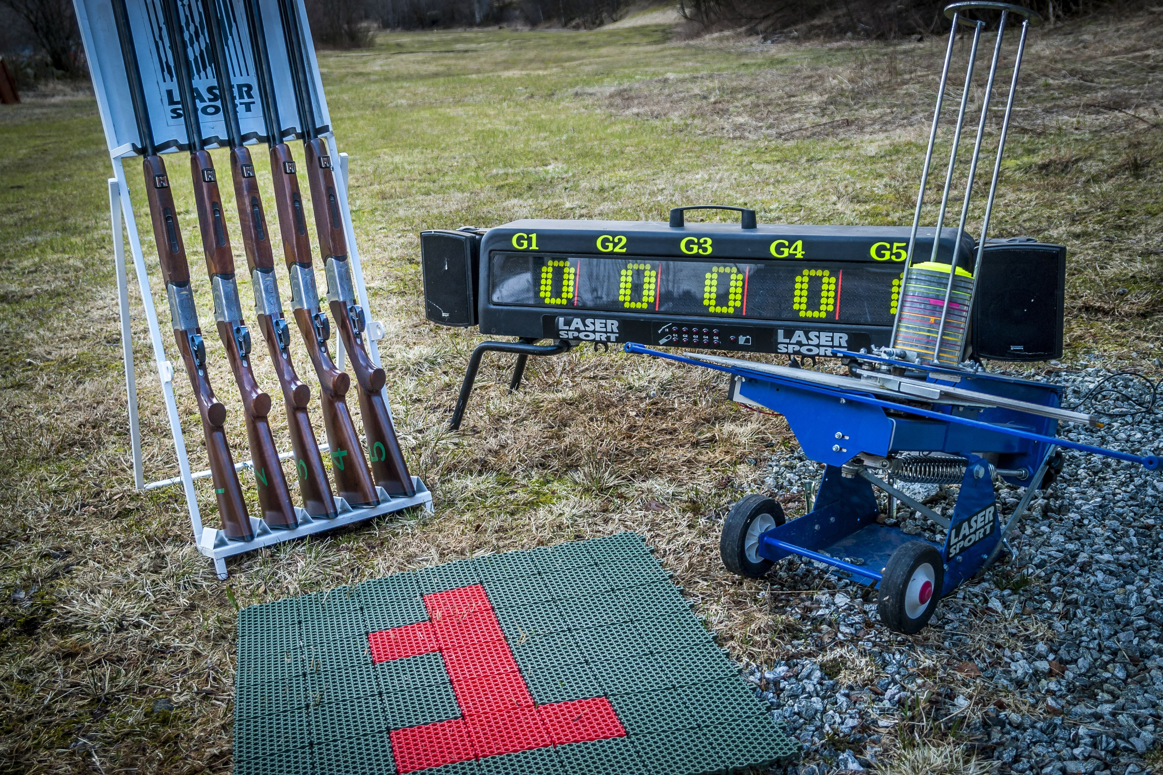 Lasersport skeet shooting for a group of 5 persons