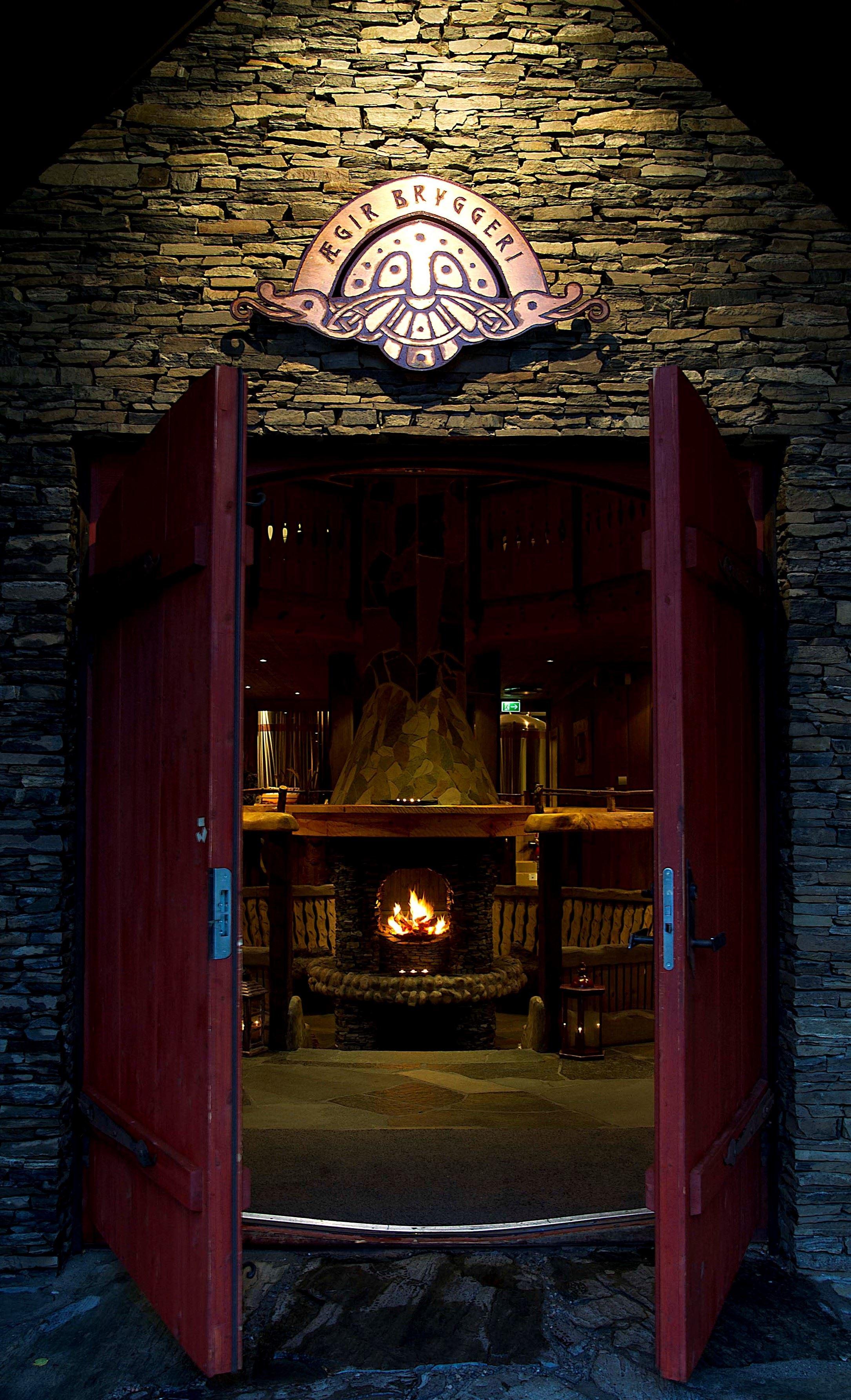© Thor Brødreskift,  Heritage Fjordsafari og Ægir Viking Dinner