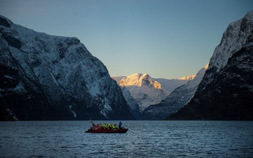 Vinter FjordSafari og heilaften på Ægir BryggeriPub