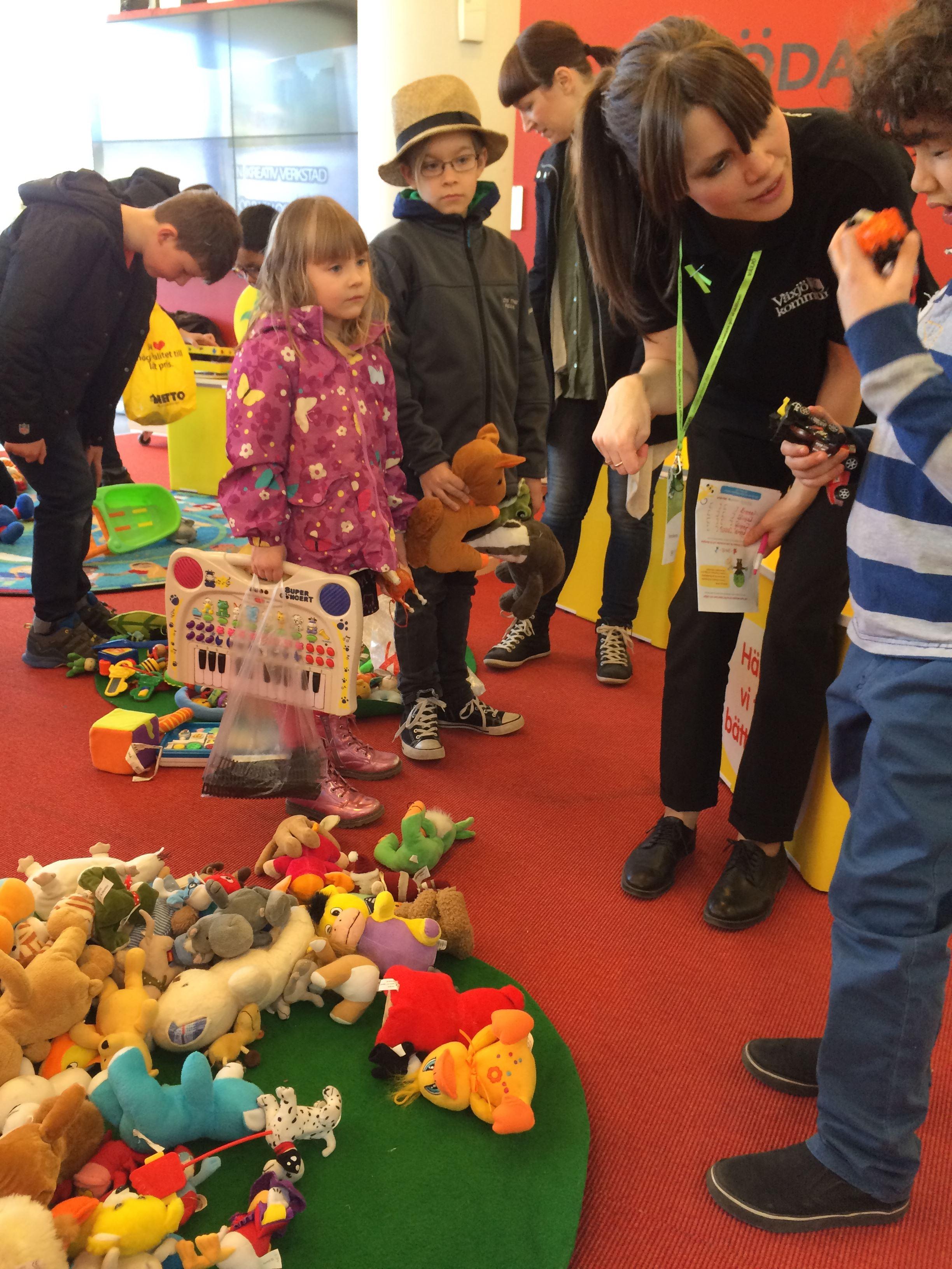 Byt och skapa leksaker med Retoy