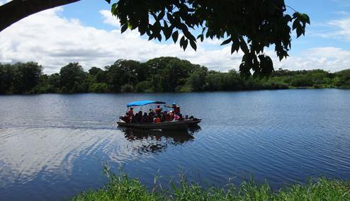 Tour de Laguna Guaimoreto en Lancha