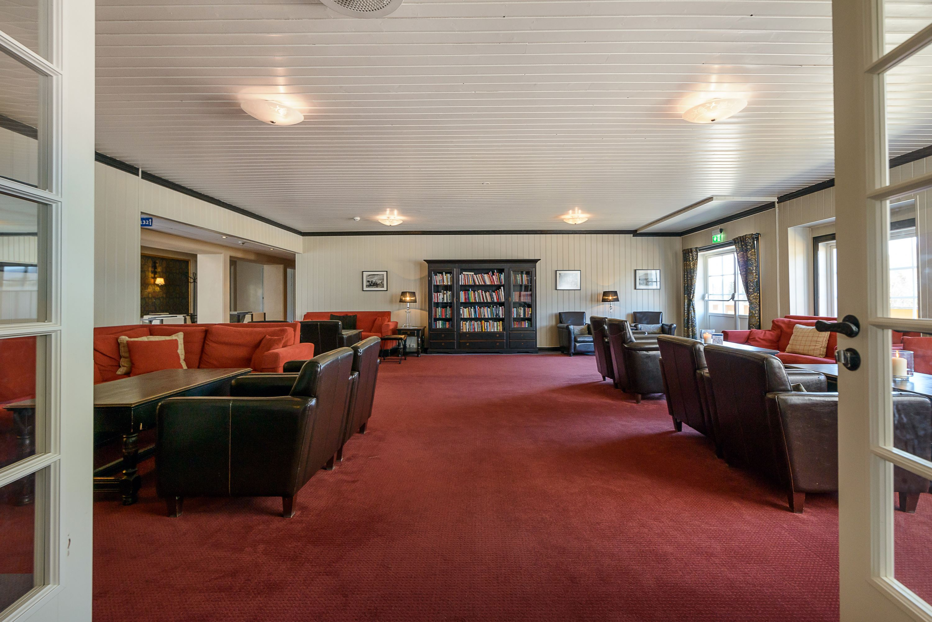 Library of Hafjell Hotel