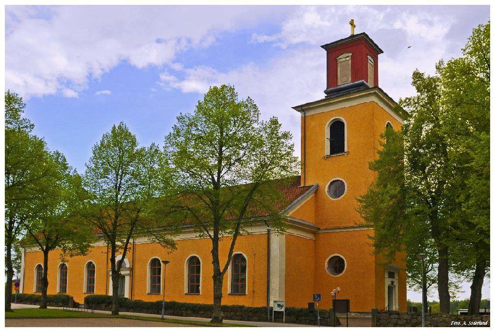 Musik i sommarkväll i Ålems kyrka: folkmusikduon Anda
