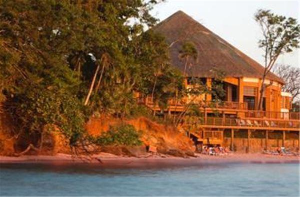 Media Luna Resort and Spa