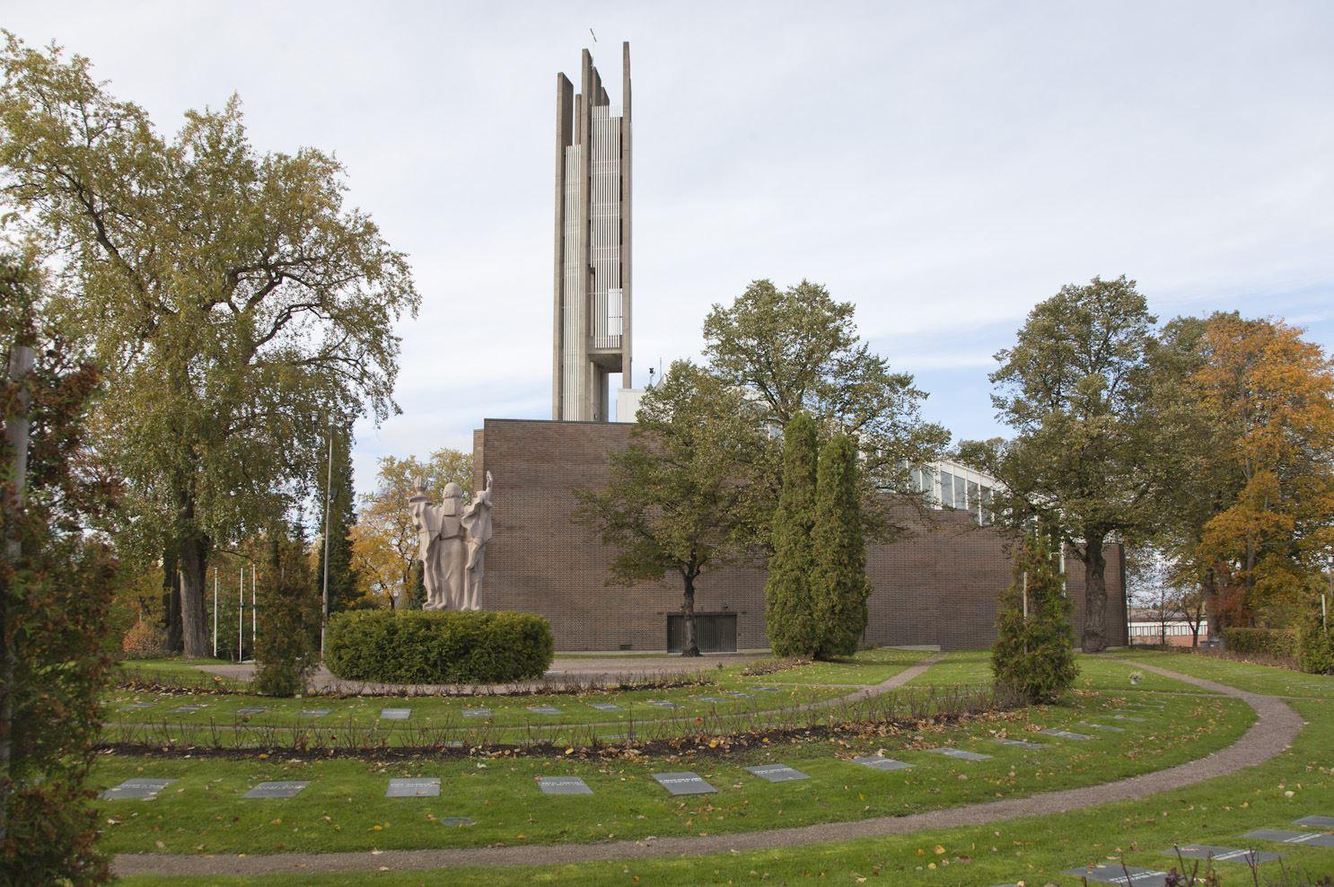 Suomalaista arkkitehtuuria Lahdessa - Alvar Aalto ja Eliel Saarinen -teemaopastus
