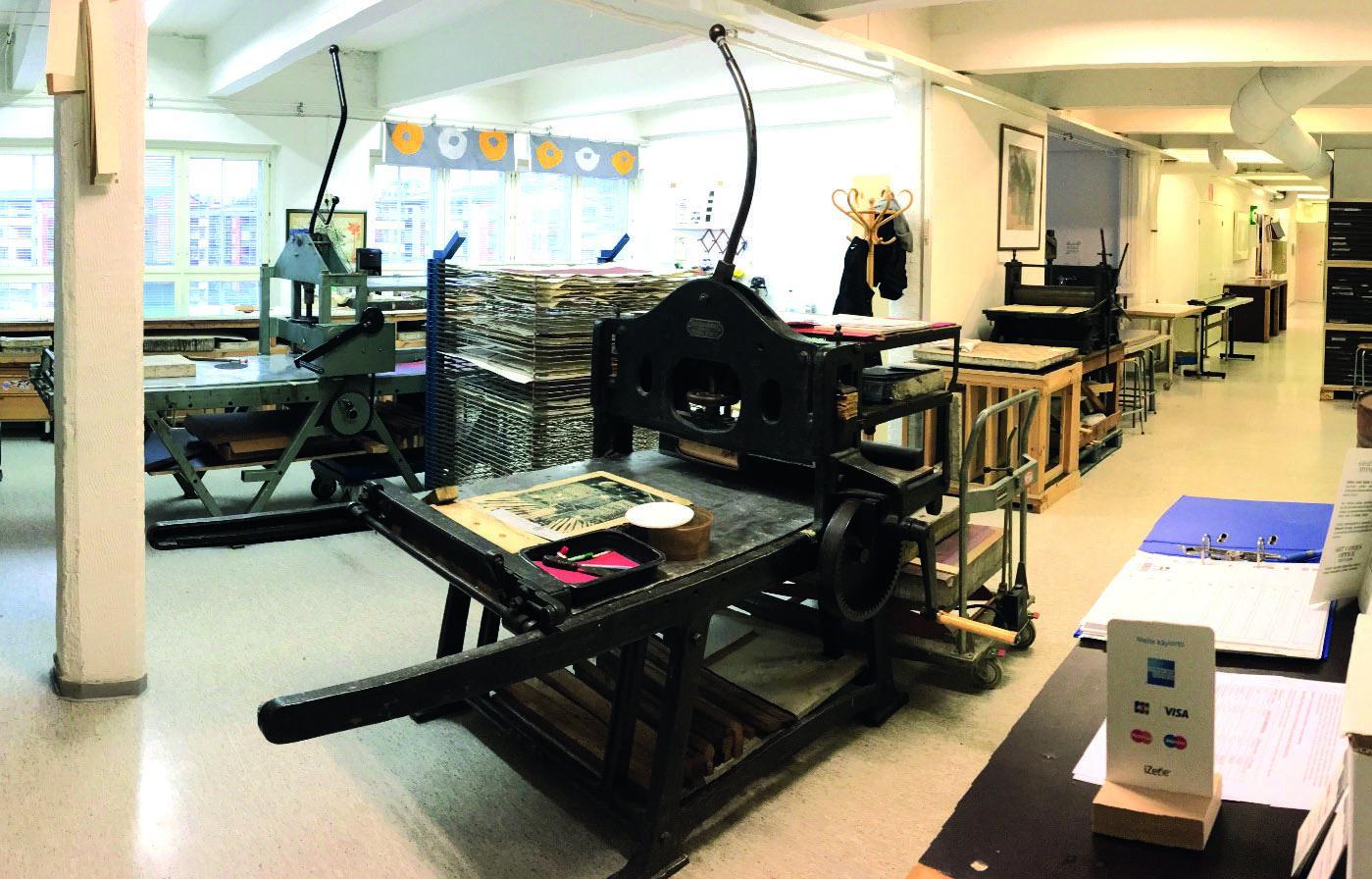 Visit to a traditional printmaking studio