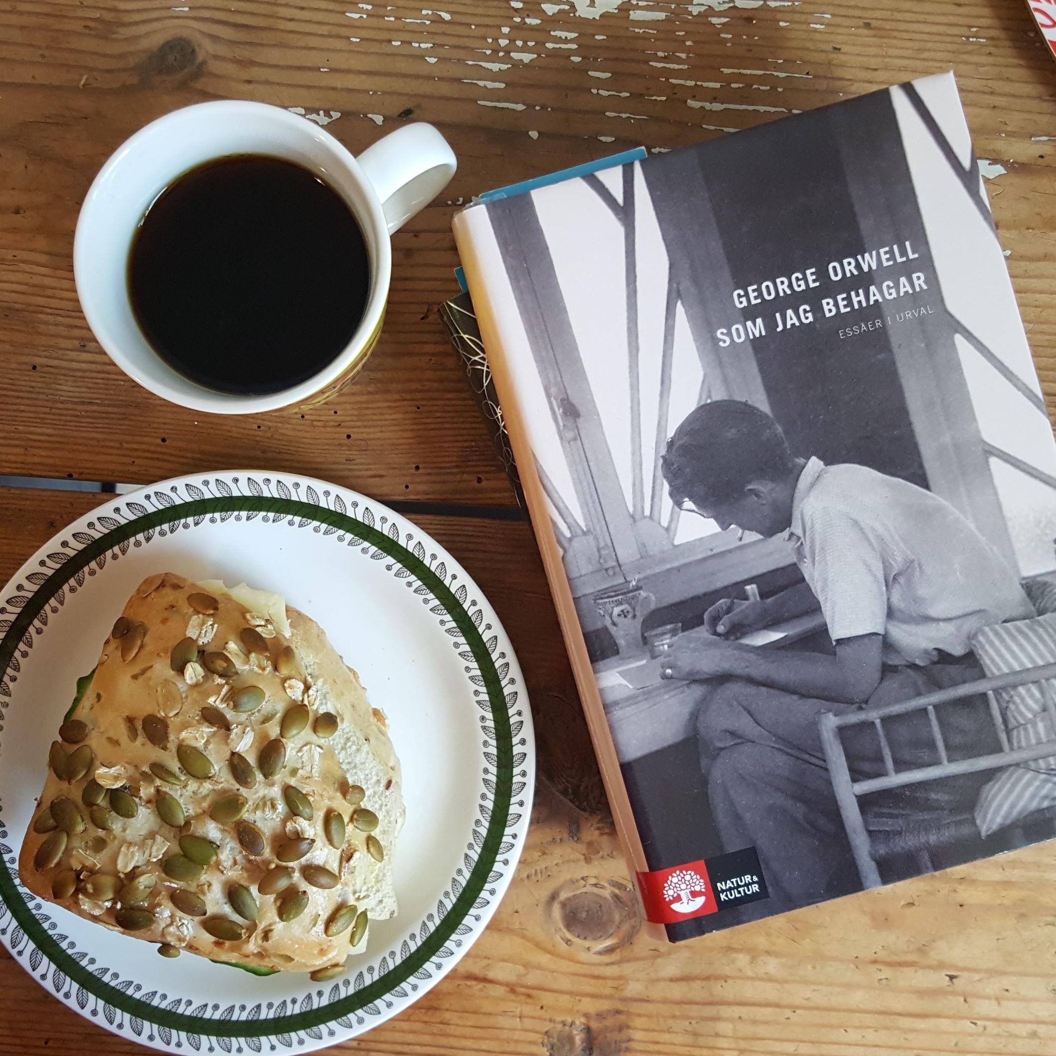 Malin Larsson,  © Malin Larsson, Frukost med läsning