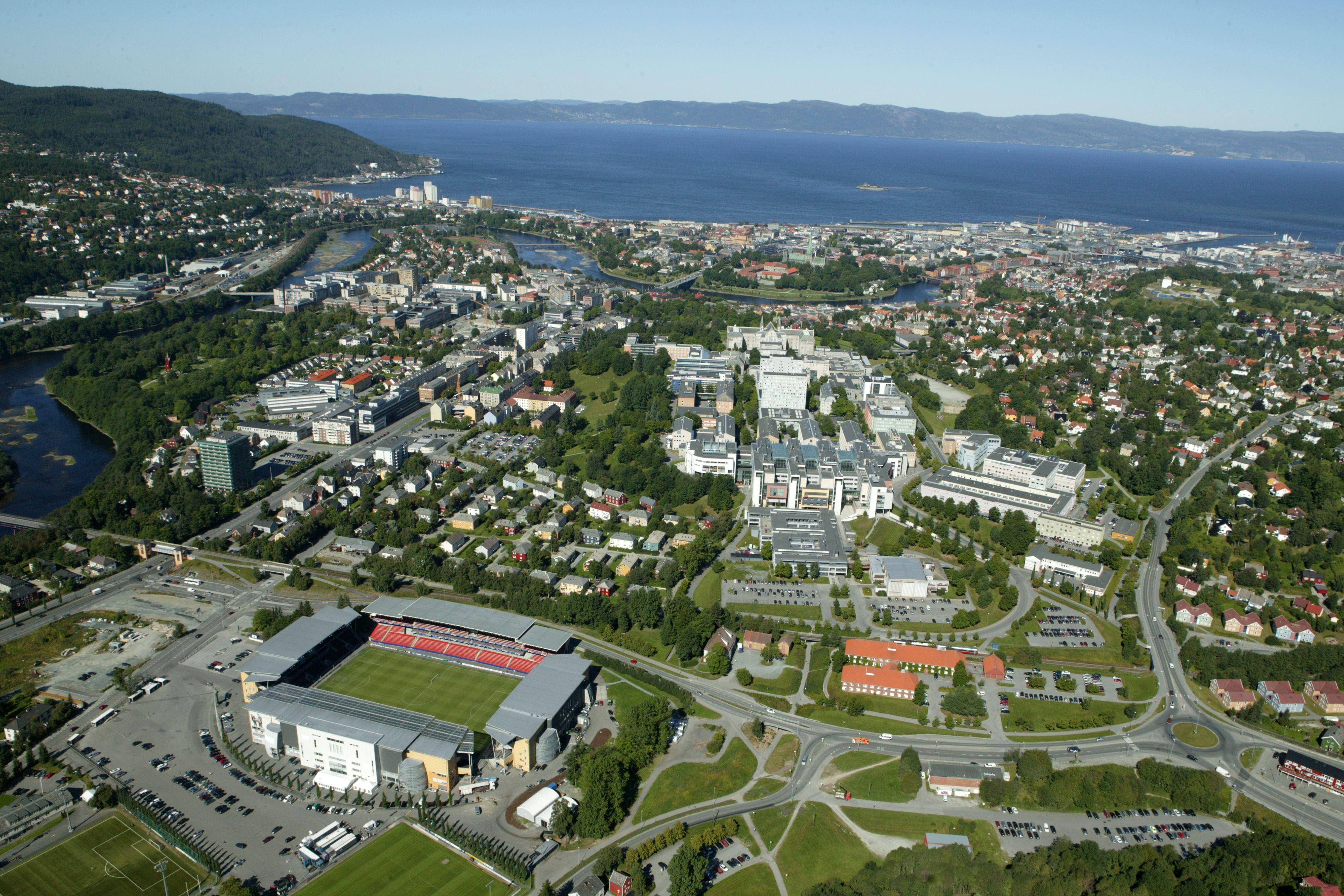 RBK, Trondheim by og Lerkendal Stadion sett ovenfra