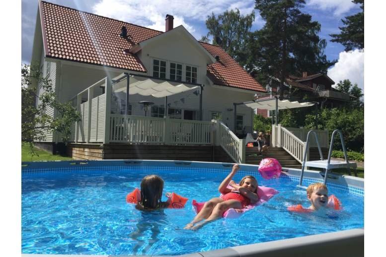 Arvika - Stor villa i toppskick 7-11 bäddar, lugnt belägen mitt i centrala Arvika