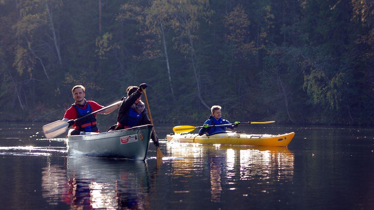 Foto: Lits Camping,  © Copy: Lits Camping, Hösten är också väldigt fin att paddla under i Jämtland.