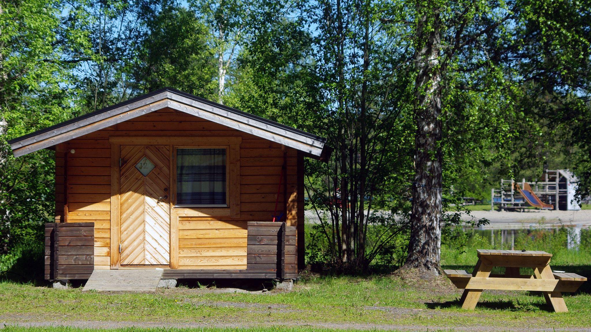 Foto: Lits Camping,  © Copy: Lits Camping, Timmerstuga 16 kvm är perfekt för campinglivet.