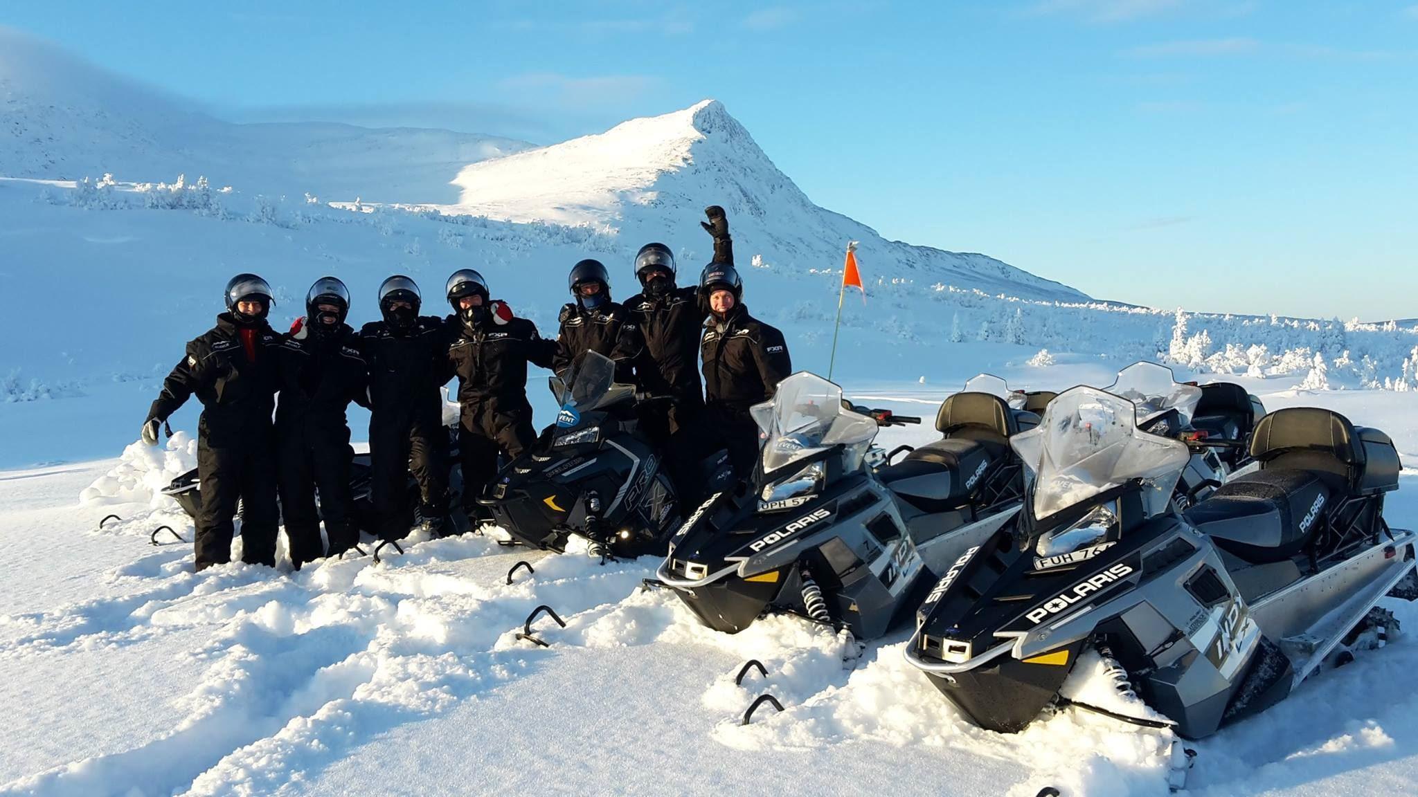 Midland Scandinavia, Gjeng på snøscootertur på fjellet