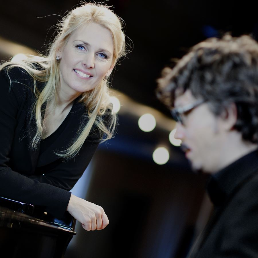 Margareta Bengtson med jazzpianisten Mathias Algotsson
