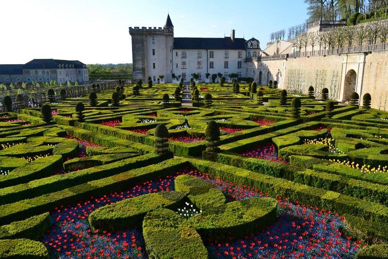 ALL-INCLUSIVE TOUR AROUND AZAY-LE-RIDEAU, LANGEAIS & VILLANDRY, WITH VAL DE LOIRE TRAVEL