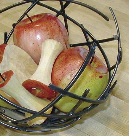 Foto: Jamtli Butik,  © Copy: Jamtli Butik, Korg med äpplen