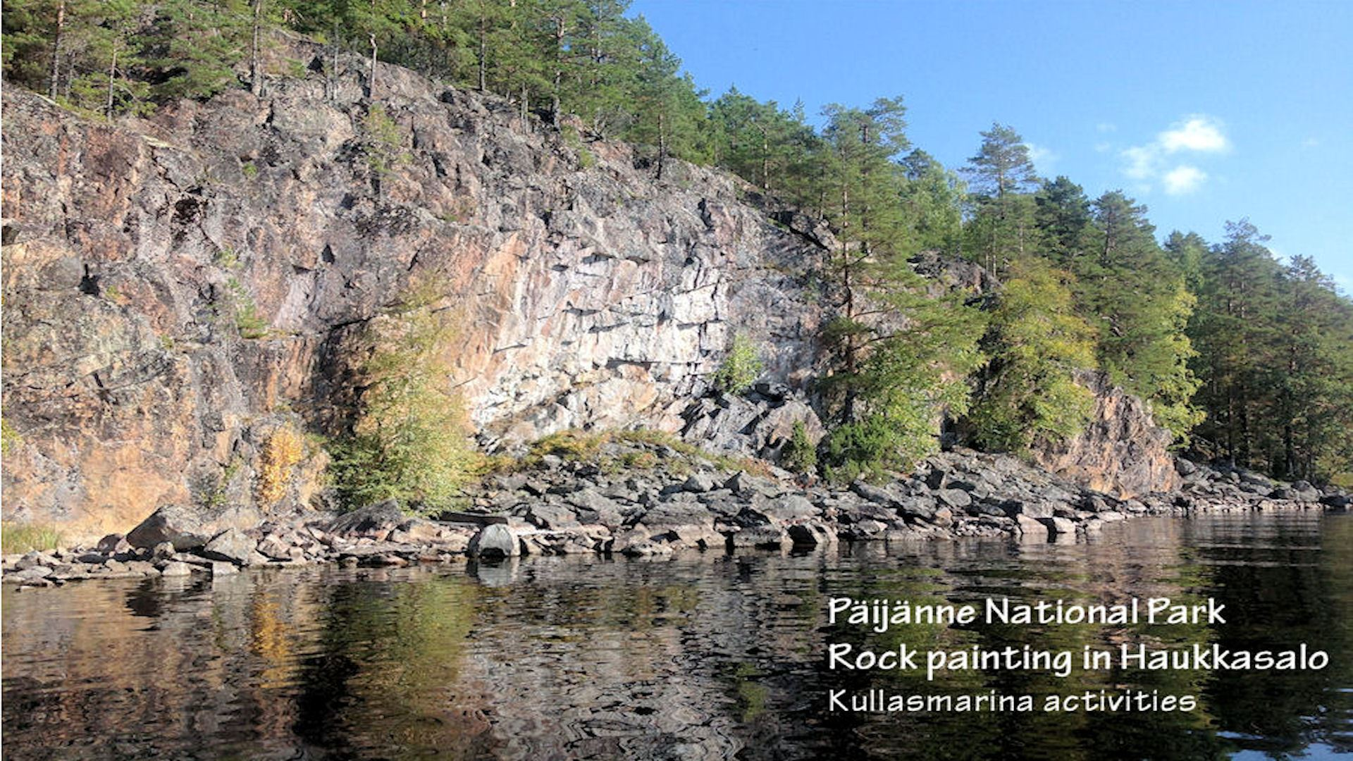 Boat trip to Haukkasaari rock paintings and Kelvenne island, Päijänne National Park | Kullasmarina