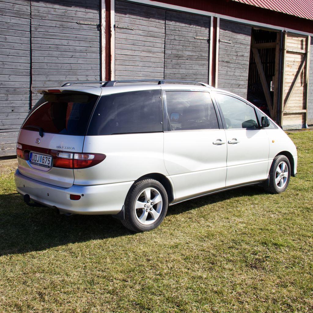 Toyota Previa, Familjebuss med 8 plaster, Automat och A/C
