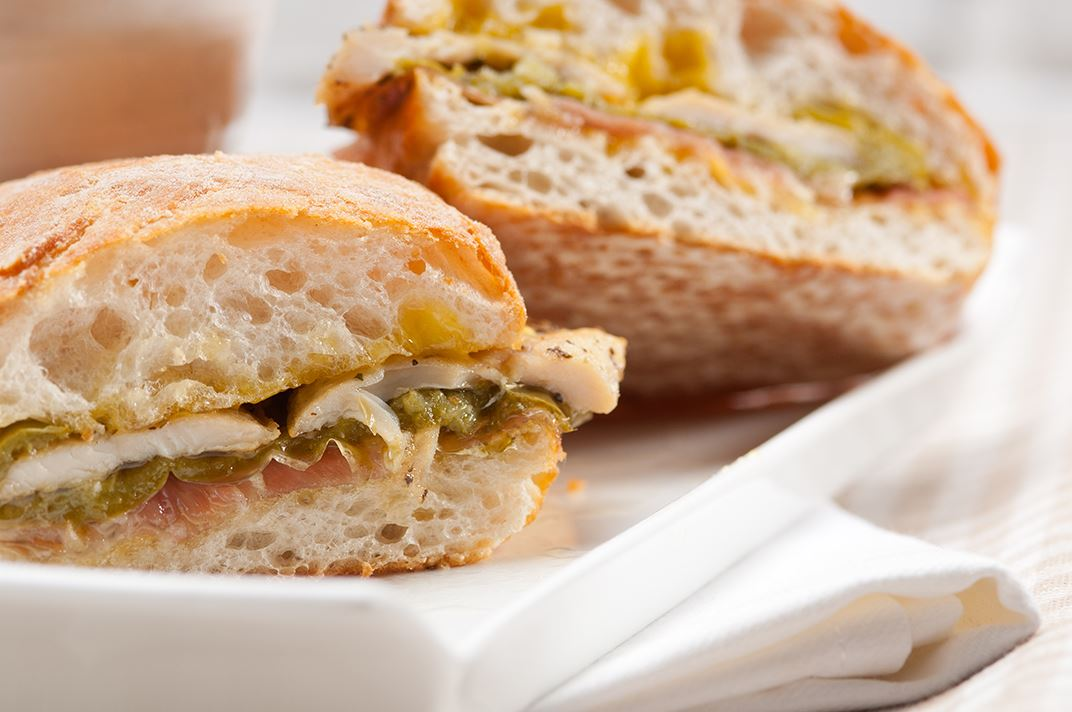 HiClub Sandwich + ½ l sodavand