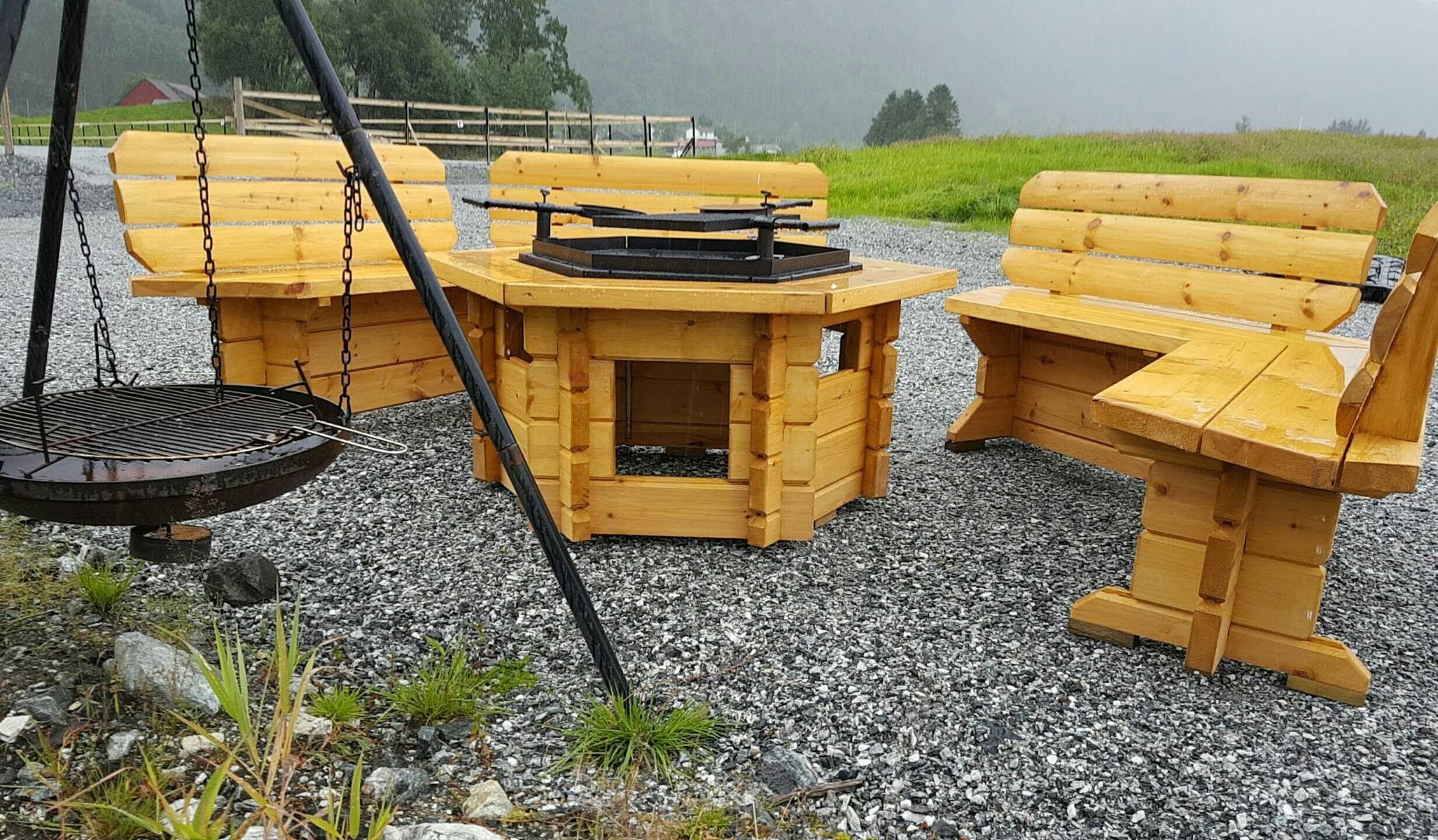 Solneset Gård (Farm) - Motorhome and caravan parking.