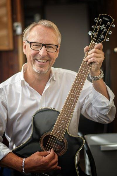 "Trubadur & Trosabon Ulf Westman bjuder på ""Memory lane"" & MusikQuiz"