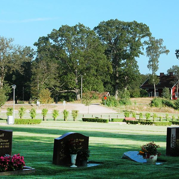 Kyrkogårdsvandring i Stenbrohult