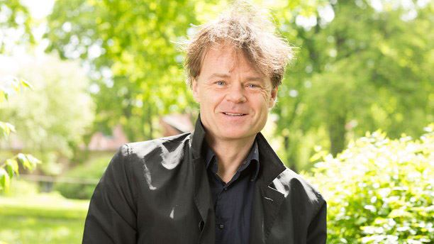 Musikaliska Strandhugg: Premiär med Nisse Hellberg och Tuta och kör