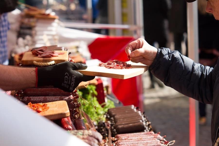 Italienska matmarknaden på Stortorget