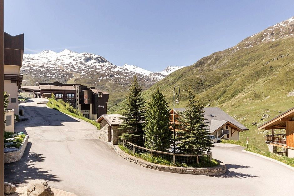 2 rooms cabin 6 Pers ski-in ski-out / SKI SOLEIL I 1111