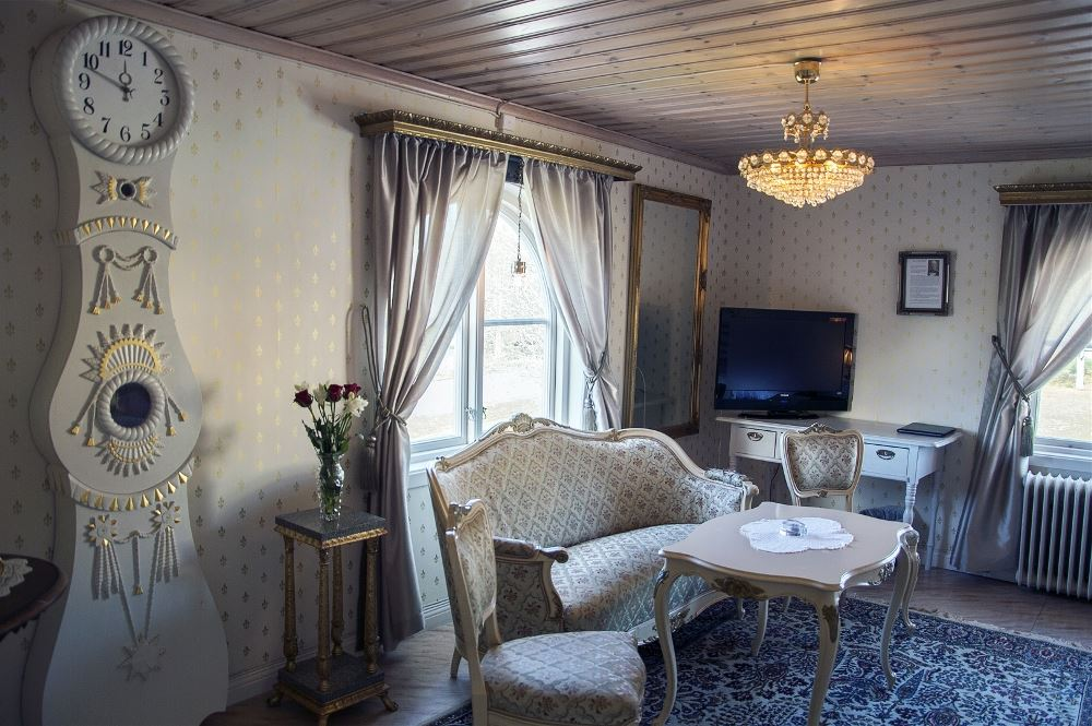 Levar Hotell - logi