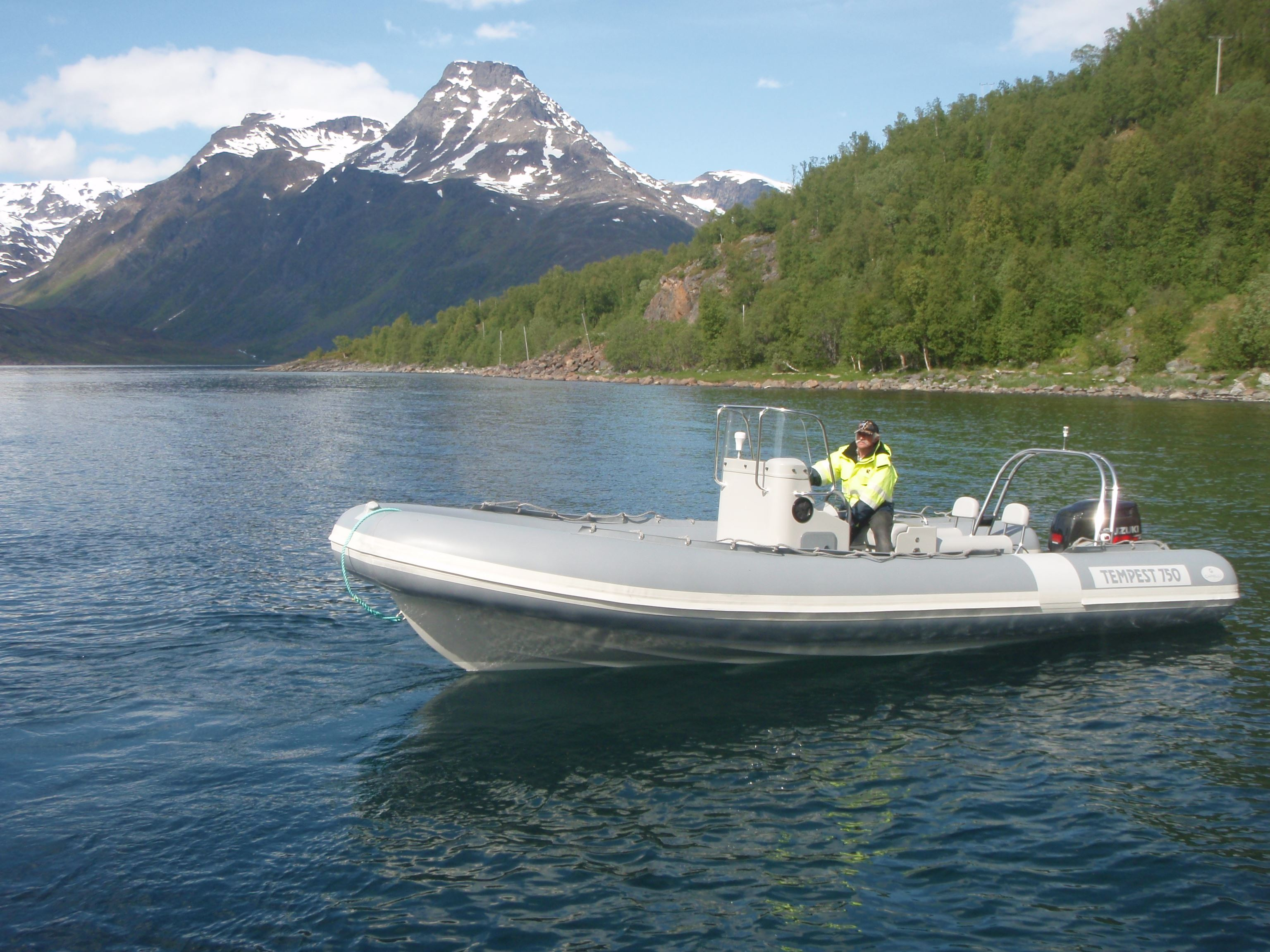 EXPLORE THE WILDFJORDS AND THE GLACIER WITH RIB
