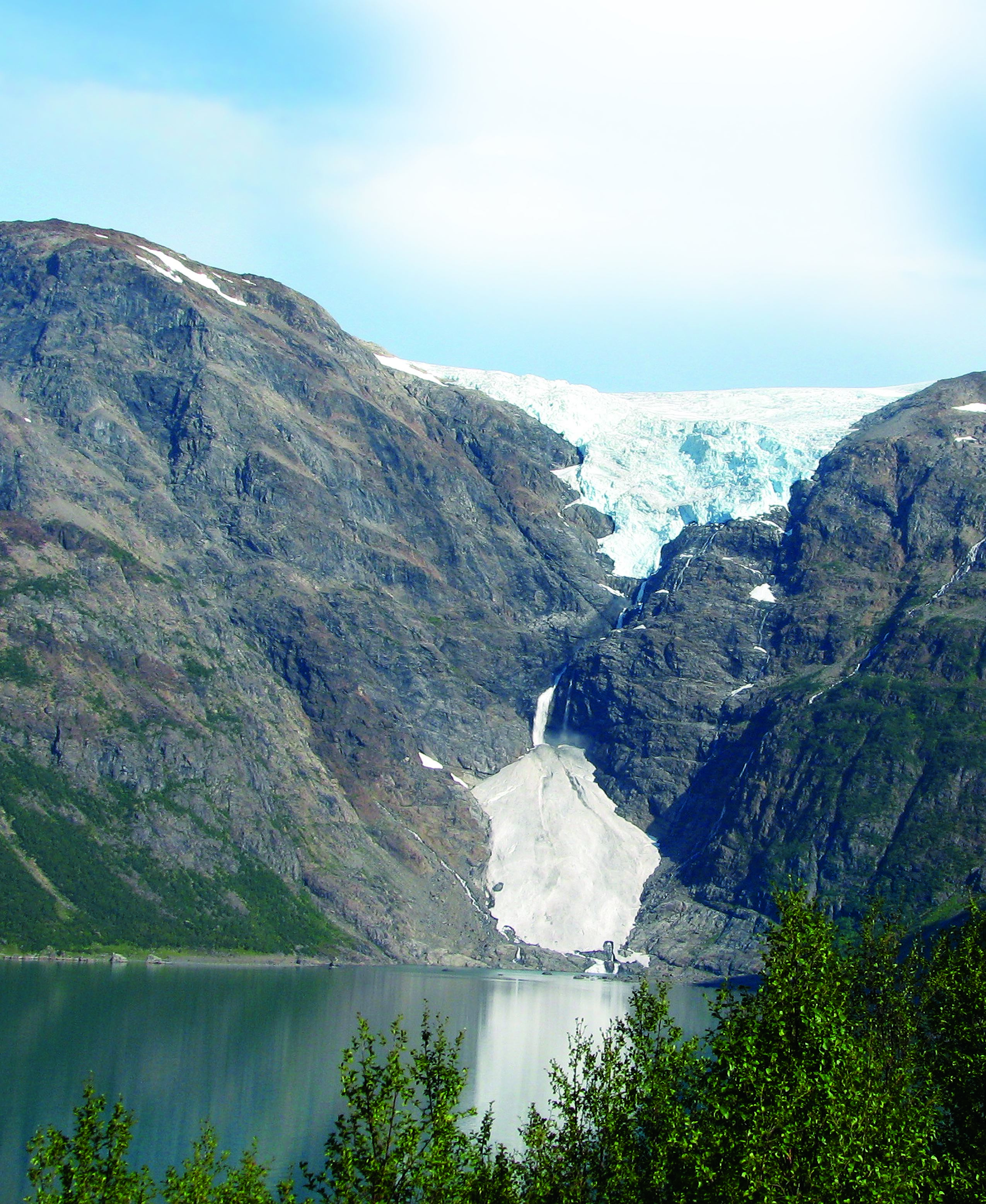 EXPLORE THE ARCTIC—WILDFJORDS AND THE GLACIER