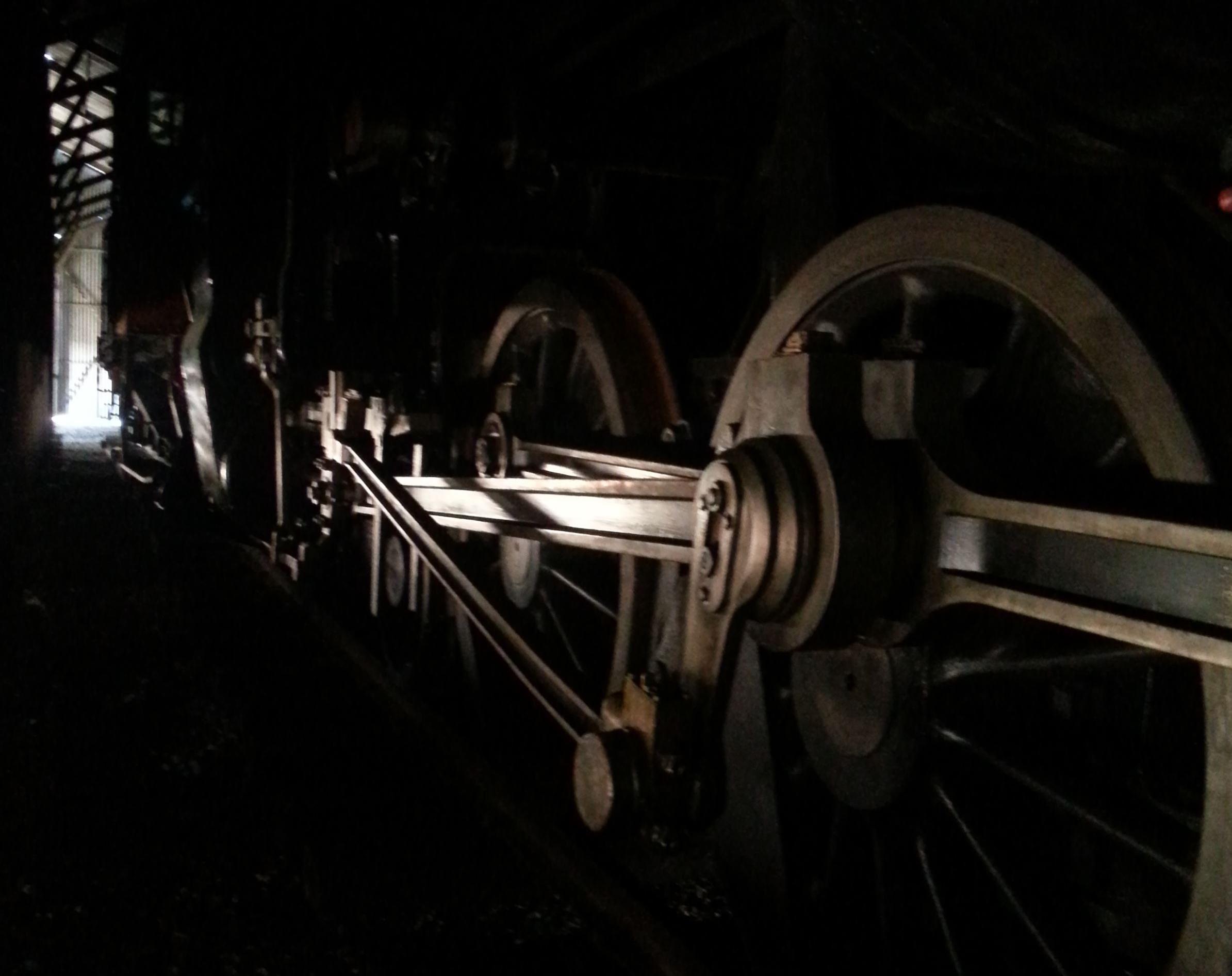 © Sveriges Järnvägsmuseum, Lok i mörker