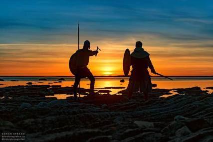 © Copy: Jamtli, Bild på två vikingar