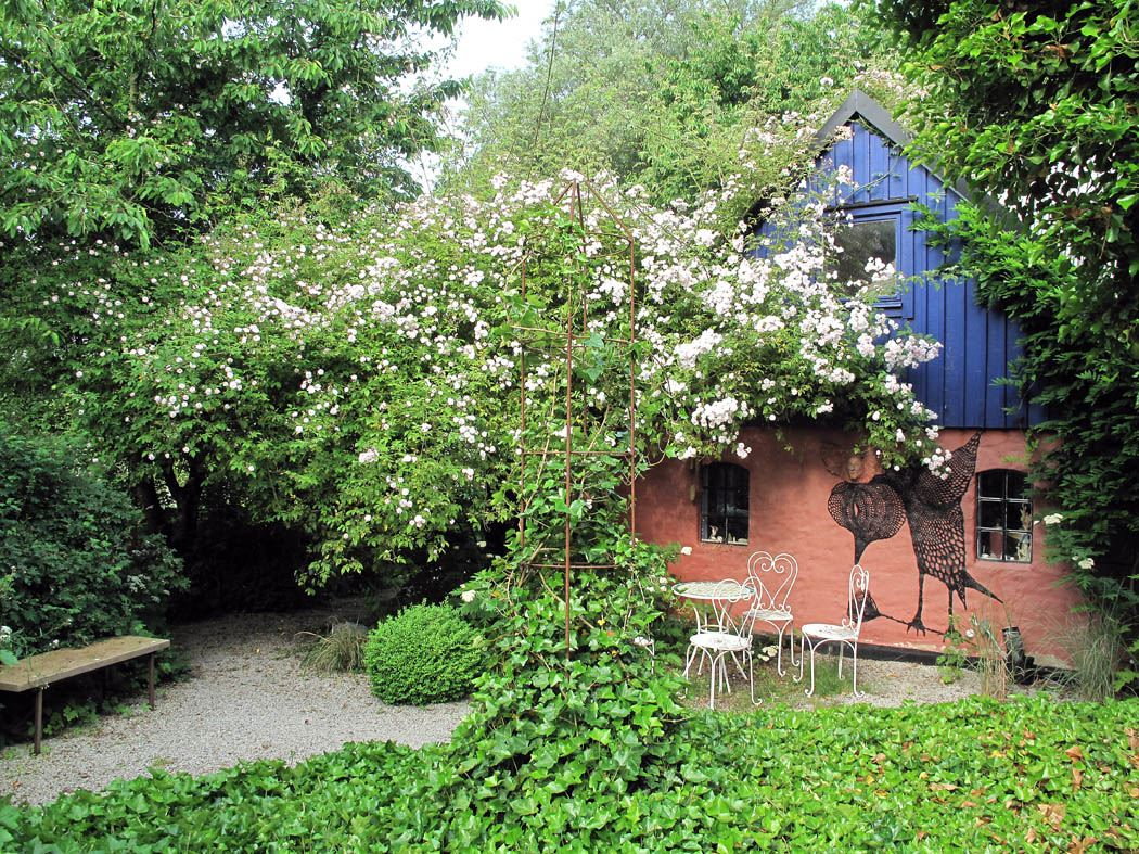 Guidade visningar av Mia Gröndahl - rosenparadiset på Österlen