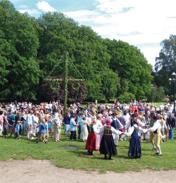 Midsummer celebrations in Tivoliparken, Kristianstad