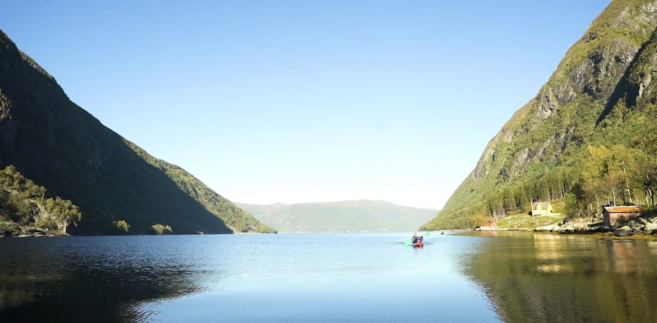 Guided sea kayaking tour in Sogne Fjord