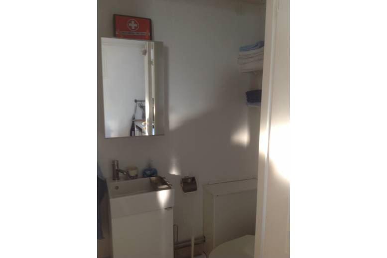 Torpa - Lägenhet i 2 plan med sjöutsikt över Vänern, tillgång till bad.