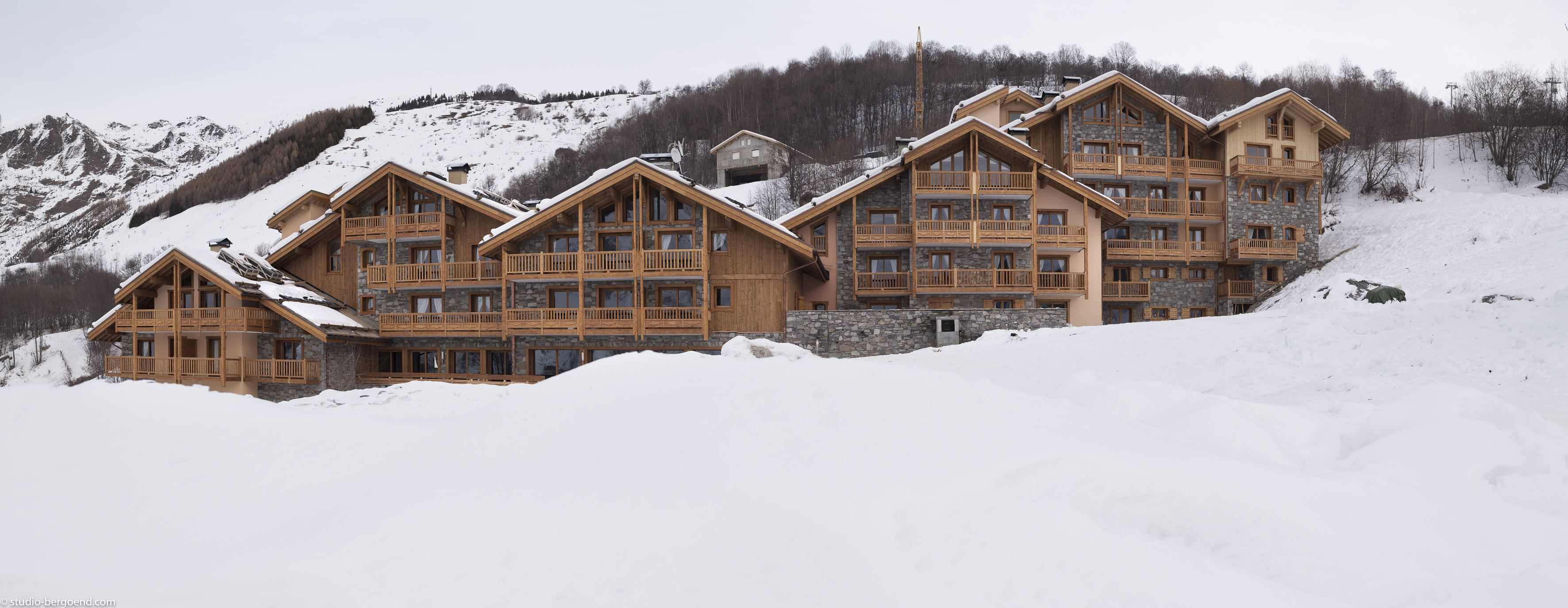 "Residence ski-in ski-out / Résidence & Spa LES CHALETS DU GYPSE (4,5 Snowflakes ""Gold"")"