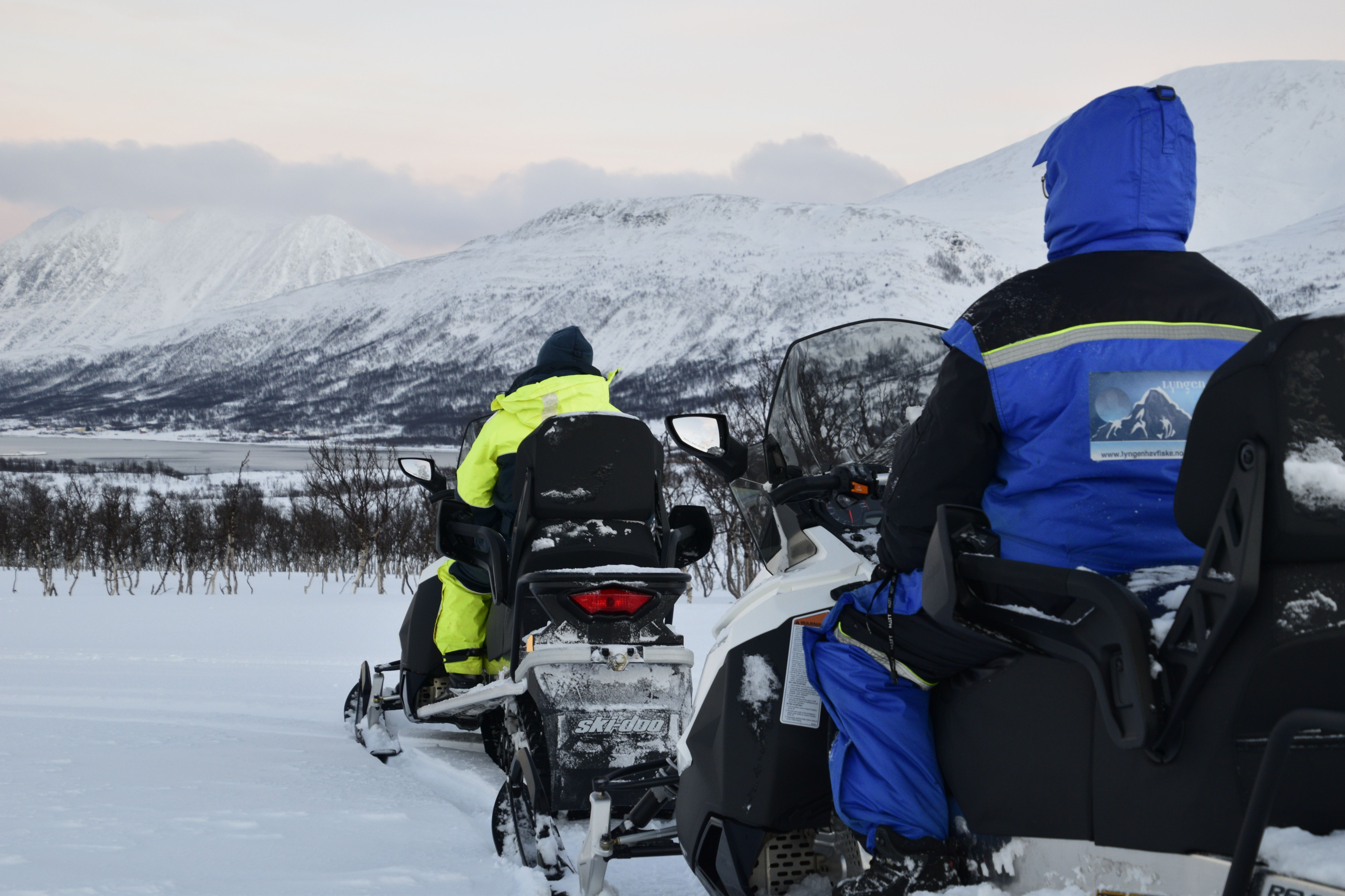 Snowmobile safari in outer Lyngen - XLyngen
