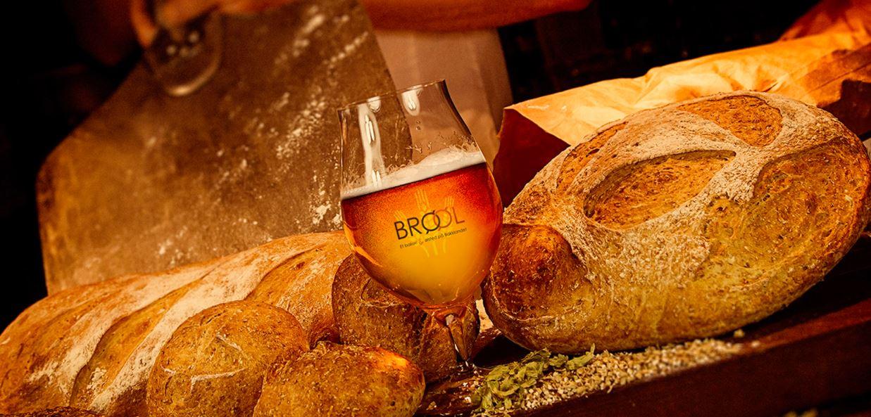 © Brøøl, brød og øl