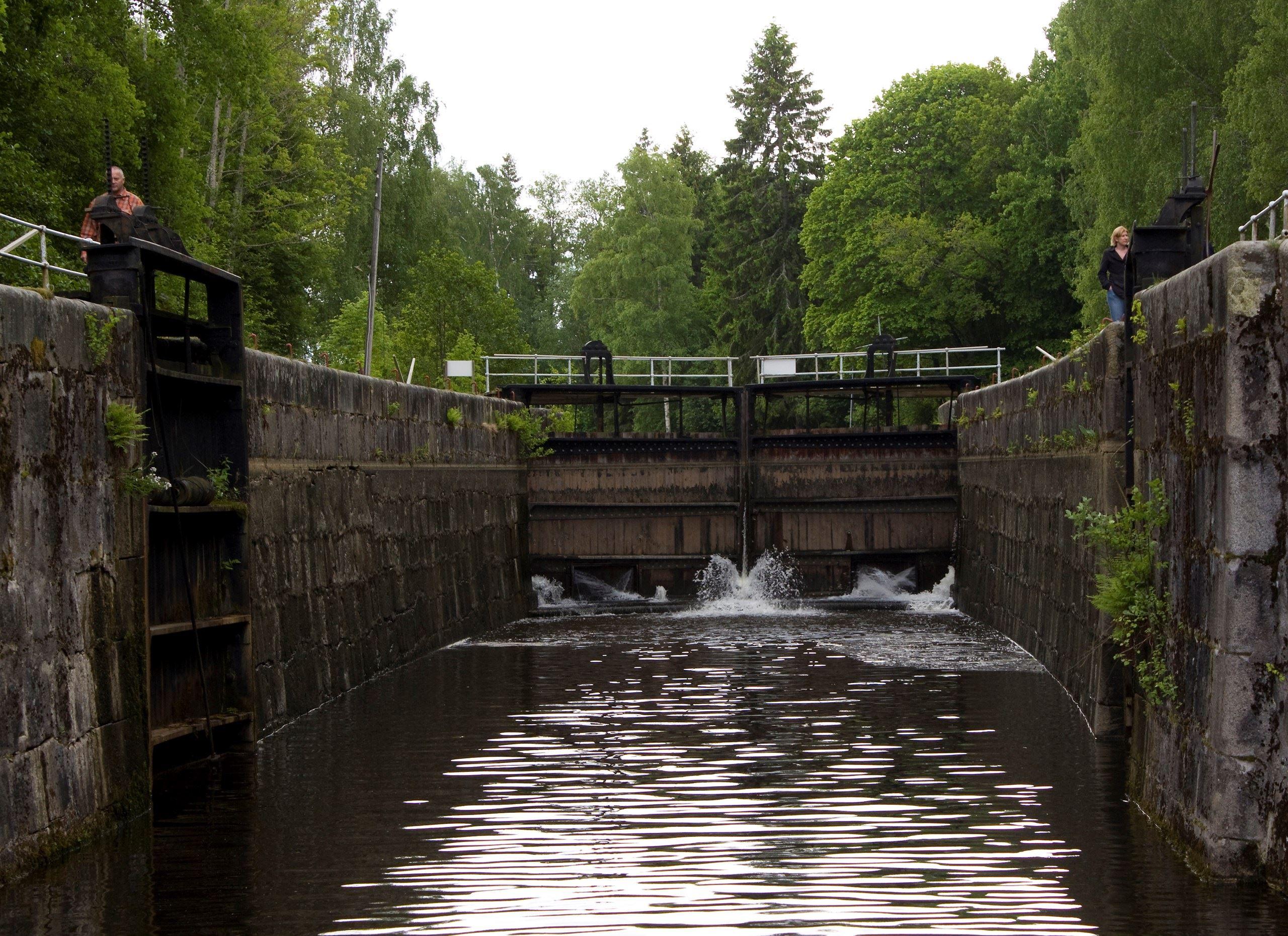 Slussning Hjälmare Kanal