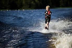 Sommarlovsaktivitet - Vattenskidor och/eller Wakeboard