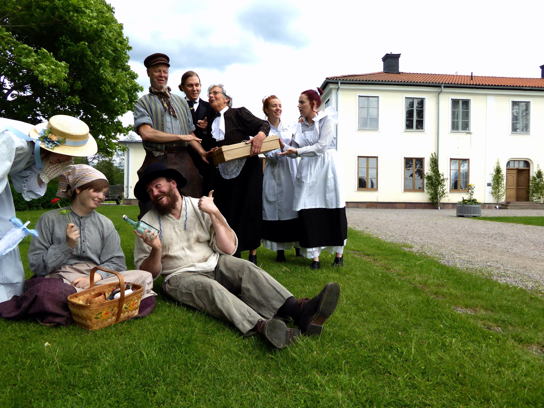 Hela ensemblen från Stålfjäder & Sidenband