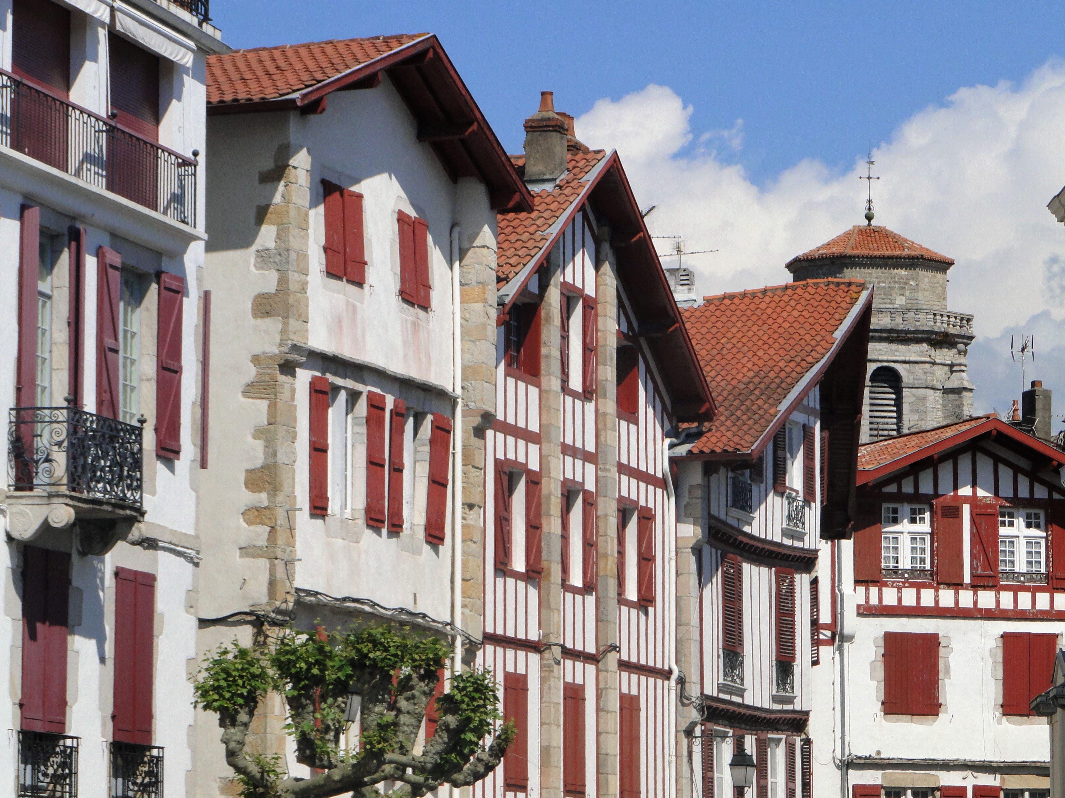 """Saint-Jean-de-Luz et Ciboure : Visite Patrimoniale """"Racontez-moi le quartier disparu"""""""