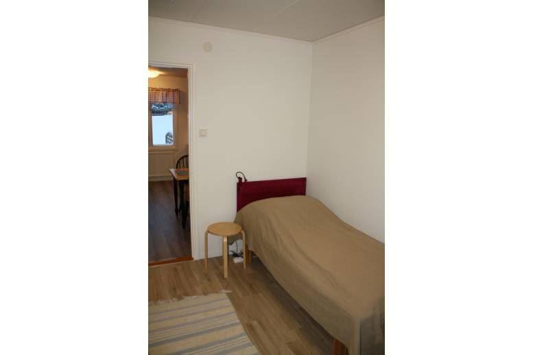 Husum - Hyr en komplett utrustad nyrenoverad villa med rum för 1-8 personer i Husum, perfekt boende i ett lu