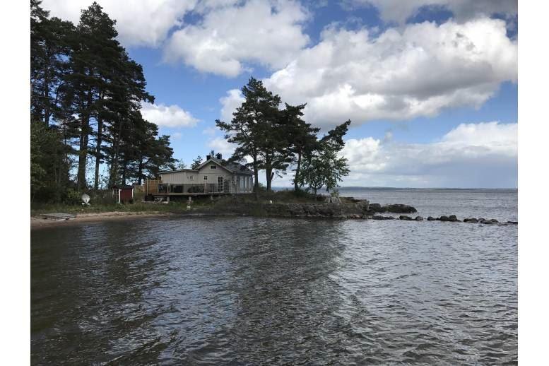 Lidköping - Sjönära boende på egen udde